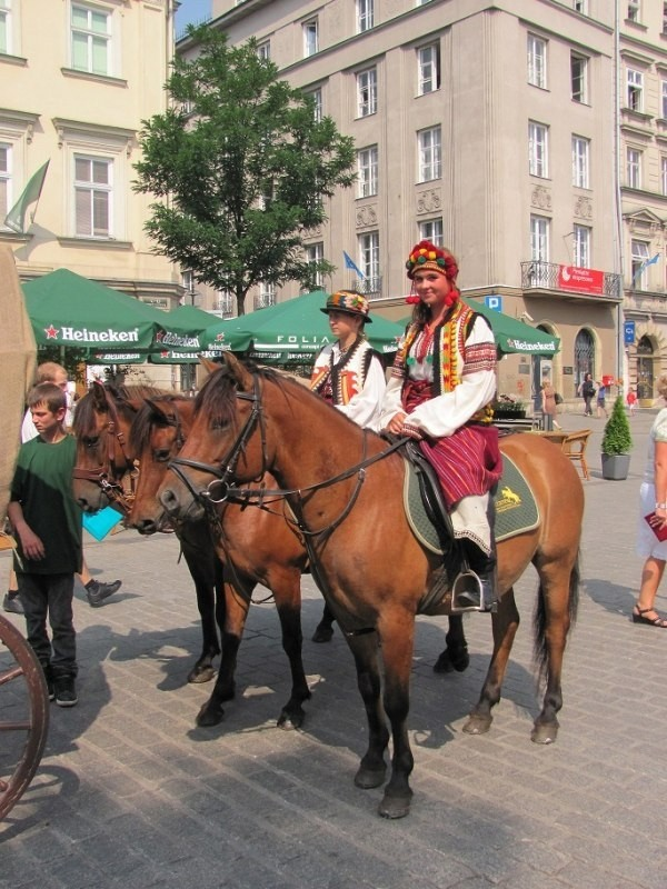 Cepeliada Kraków (2)