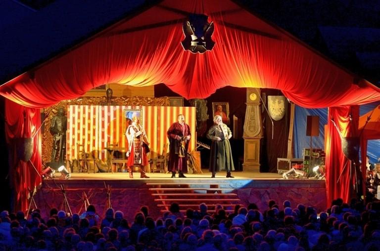 Wakacyjne spotkanie z operą Straszny Dwór (1)